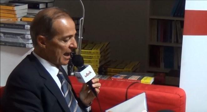 Trama La moglie perfetta di Roberto Costantini