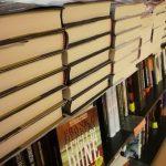 Libri accatastati chiusi