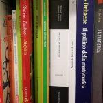 Libri vari chiusi scaffale
