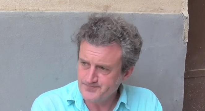 Trama Cinque indagini romane per Rocco Schiavone